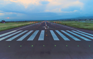 თბილისის საერთაშორისო აეროპორტში განახლებული ასაფრენ-დასაფრენი ზოლი გაიხსნა